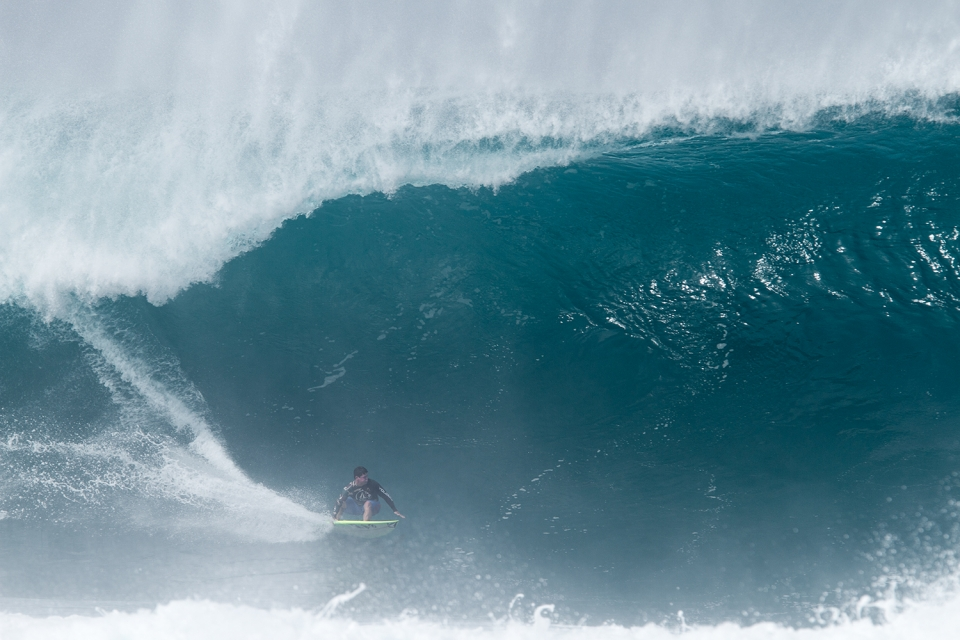 Dave Wassell might not be the most popular man amongst Tahitian bodyboarders right now but he sure knows how to lay down a rail at throaty Pipe.