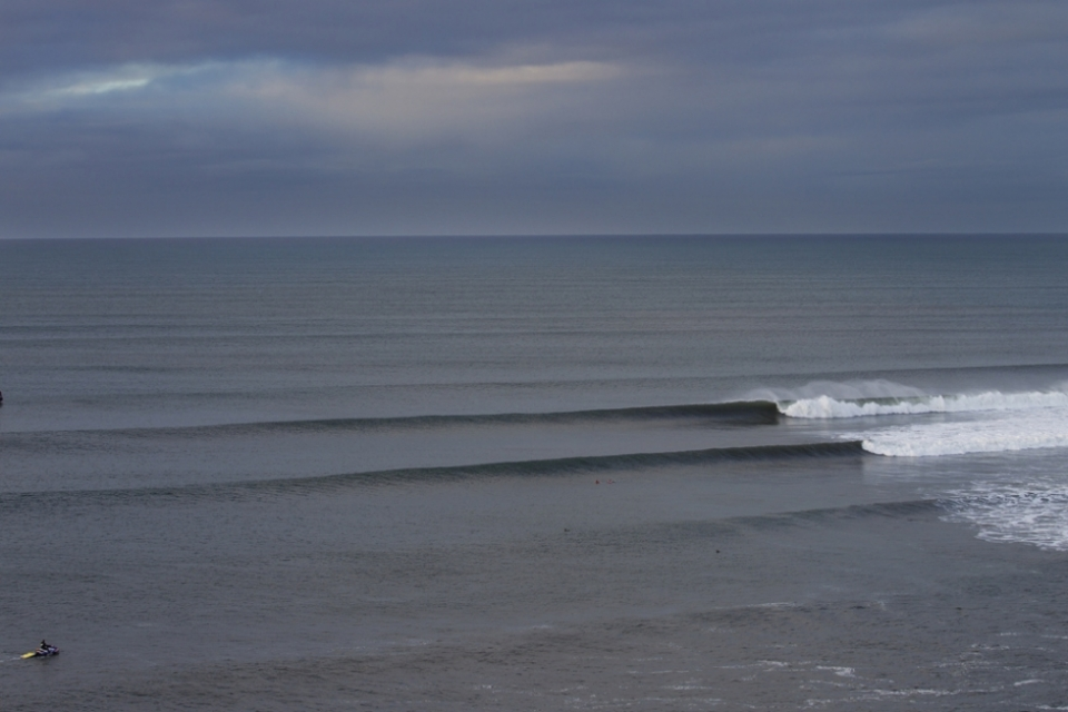 Bells looks good for the latter part of the Easter weekend, perhaps the best swell of the three events.