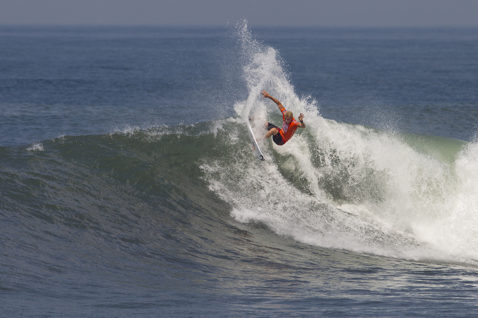 Mick Fanning defeated Yadin Nicol