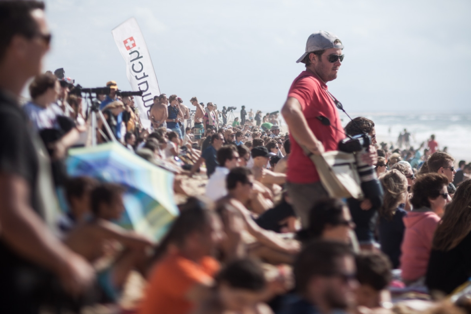 Passionate crowds packed the beach all event.