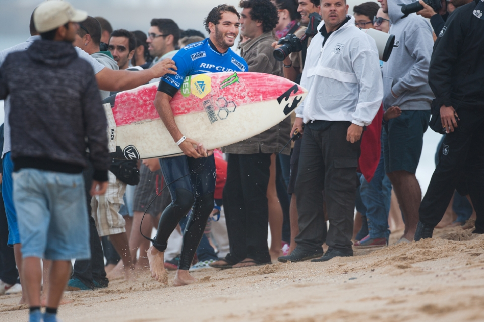 Knowing the fervour of Portuguese surf supporters, Morais will have free Sagres on tap for the rest of his life.