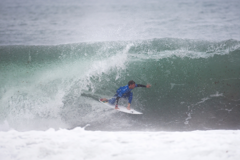 Alejo Muniz was looking sharp in the wobbly overhead conditions, but ended up losing to Parko by .07.