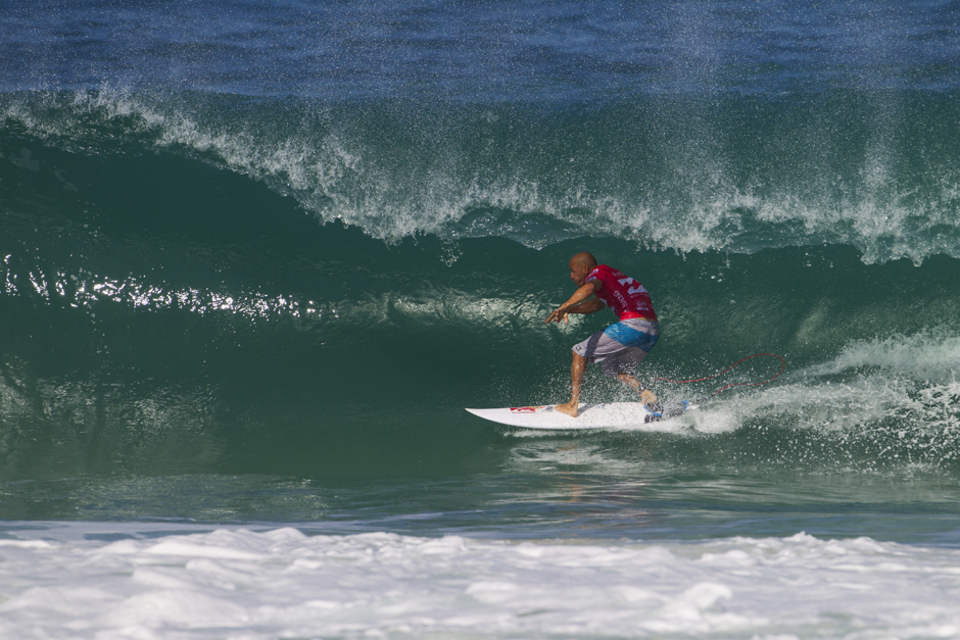 """The iconic natural-footer was completely dominant in his Round 1 bout, threading a number of impressive forehand barrels.   """"I saw a bunch of good waves down the beach and just kept that to myself,"""" Slater said. """"You can take off on that foam ball out the back on the reef and get one or two turns and you've already got as good a score as you can get on some of the ones on the right side of the scaffolding. Most of the waves this morning have been closeouts, but I figured at some point today it's going to get good. There were some unbelievable barrels down the beach."""