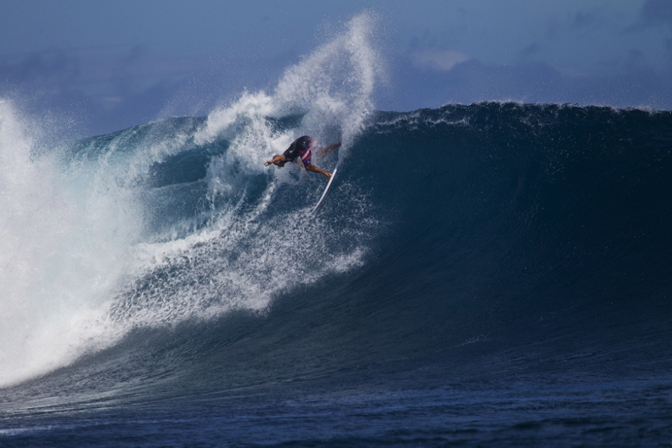 Kelly Slater unloads another huge turn.