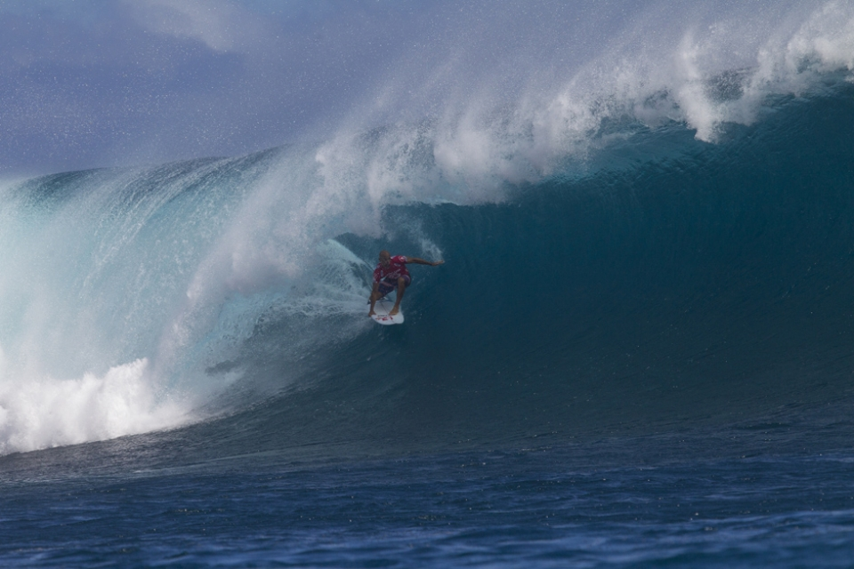 Kelly Slater driving through another tunnel.