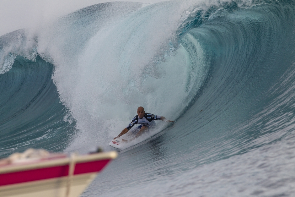 Buchan Stuns Slater to Take Teahupoo Title