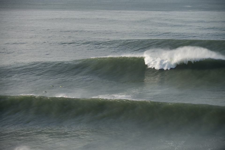 The largest waves of the day went unridden, breaking outside the main takeoff sot.