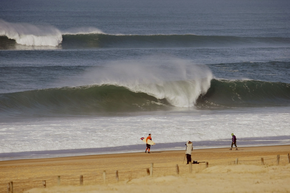 Free from the crowds of summer, SW France is a more tranquil, but unforgiving, surf location.