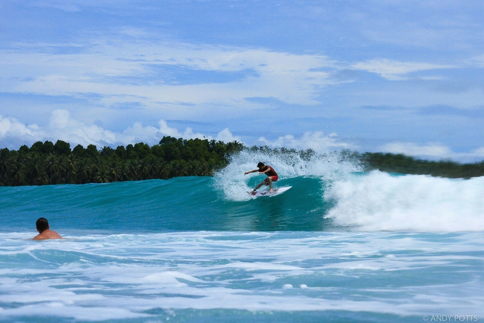 Colin Deveze enjoying super fun Pitstops on day one of his Mentawai adventure