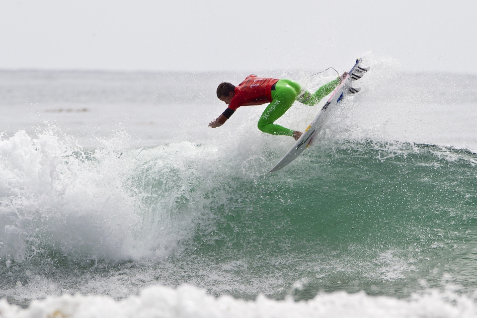 """Julian Wilson was supreme in both of his heats, punting a precise shovit, and two lofty reverses in the 4th round alone. """"when I saw the heat draw, I felt like that was the hardest draw I could have today because of the conditions,"""" Wilson said. """"At the same time, I want to be the best, I want to beat the best guys, and Filipe (Toledo) is so strong in those conditions."""