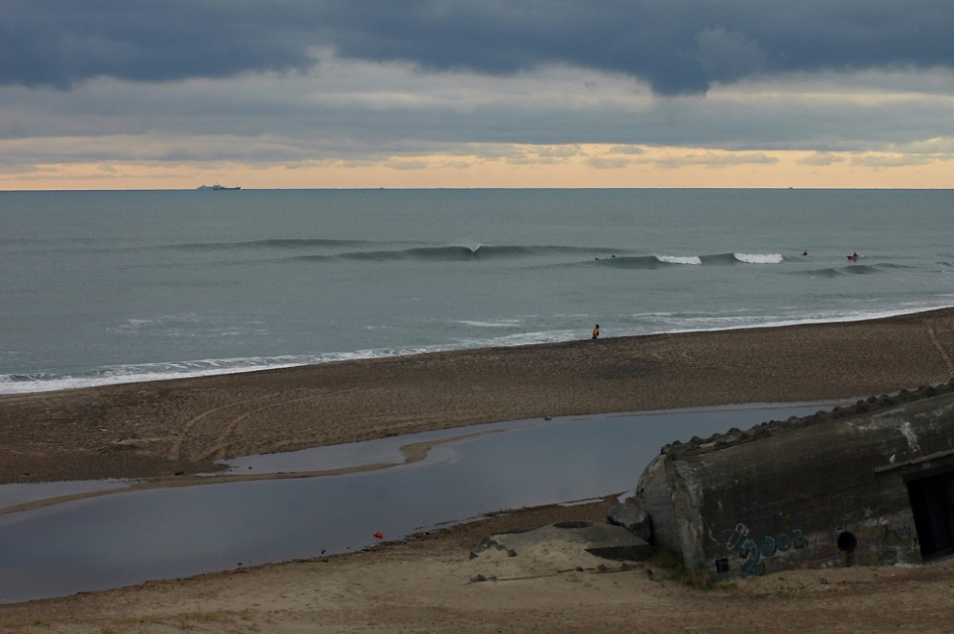 Tom Blue's photo of Bunkers
