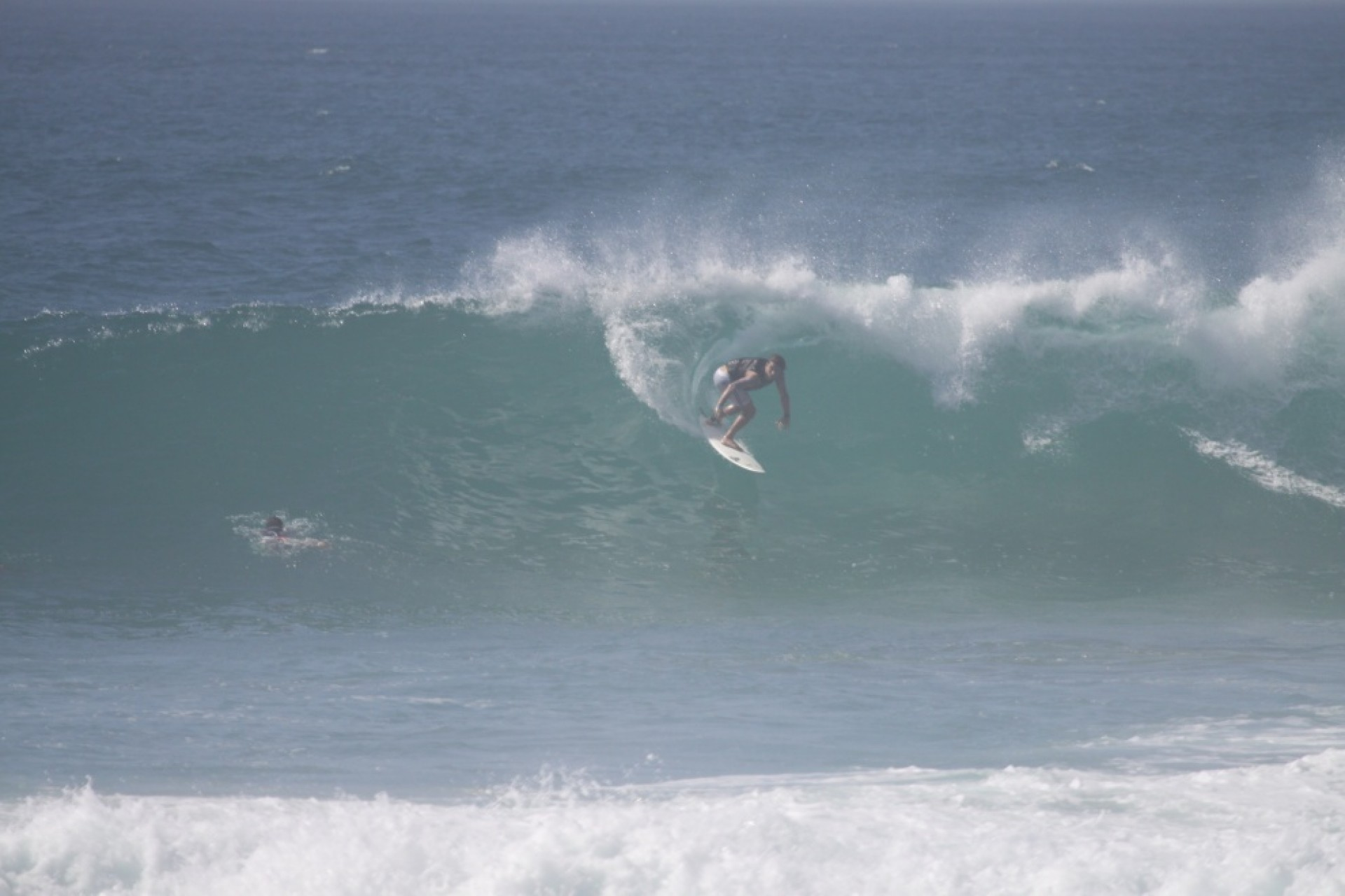 Against The jet's photo of Costa Azul