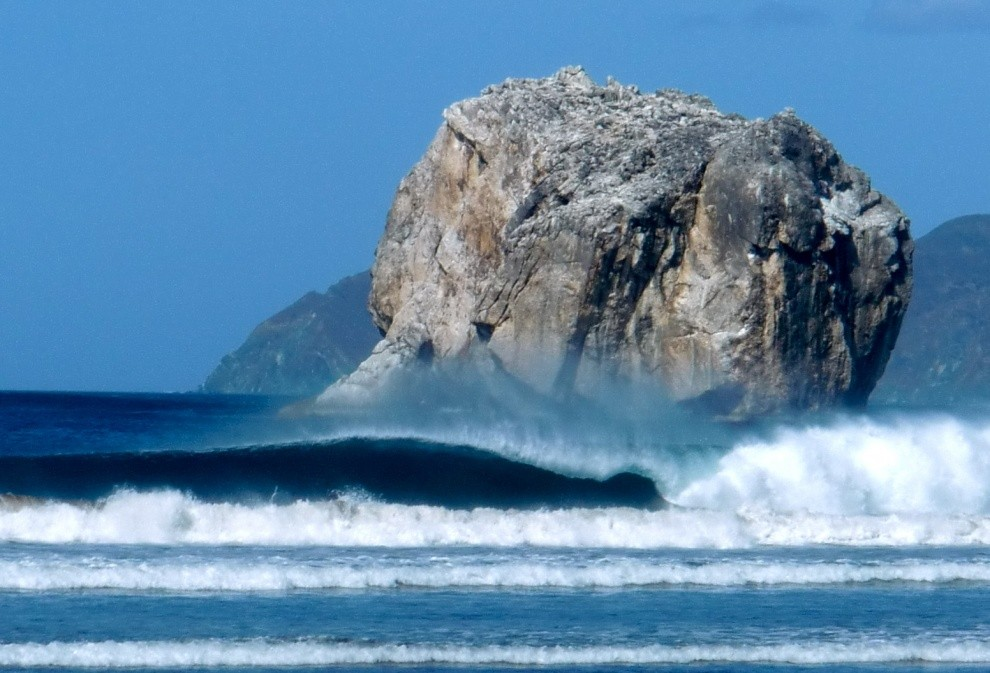 ramongas's photo of Witches Rock (Playa Naranjo)