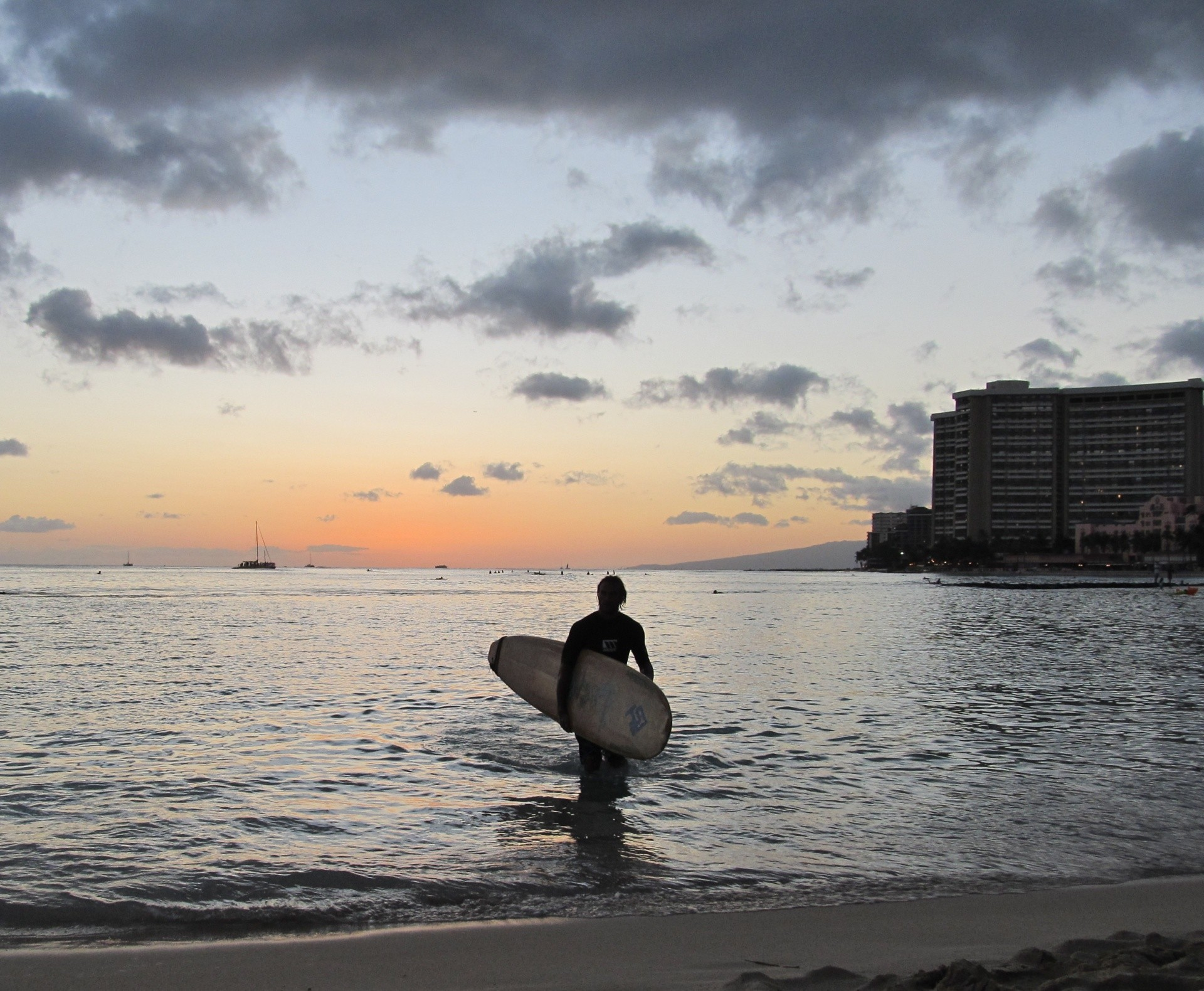scr nyc's photo of Queens/Canoes (Waikiki)