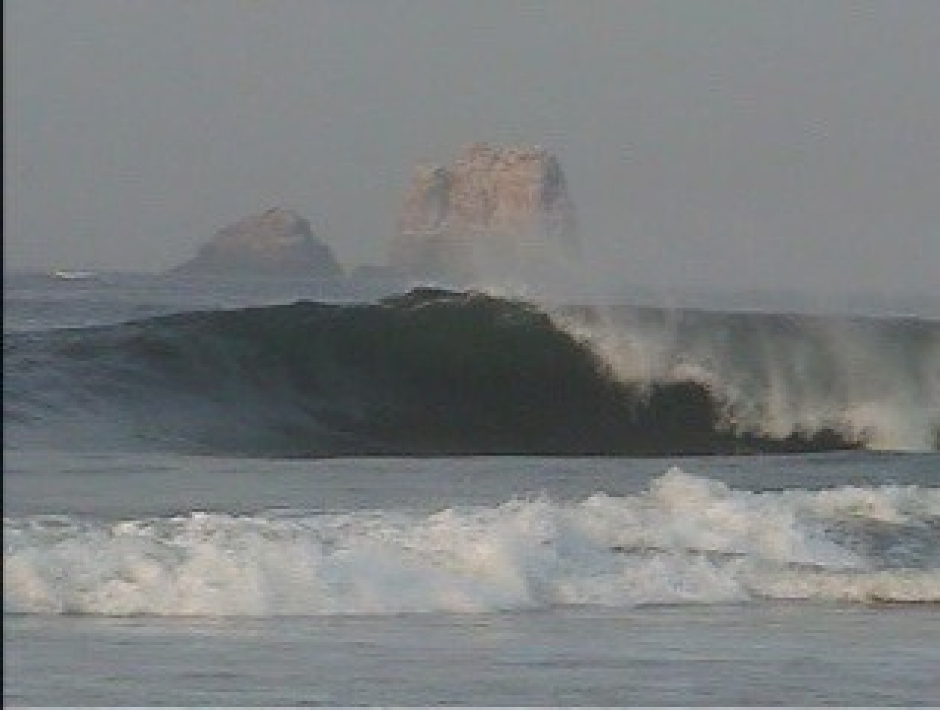 sergh off the waves.'s photo of Escolleras
