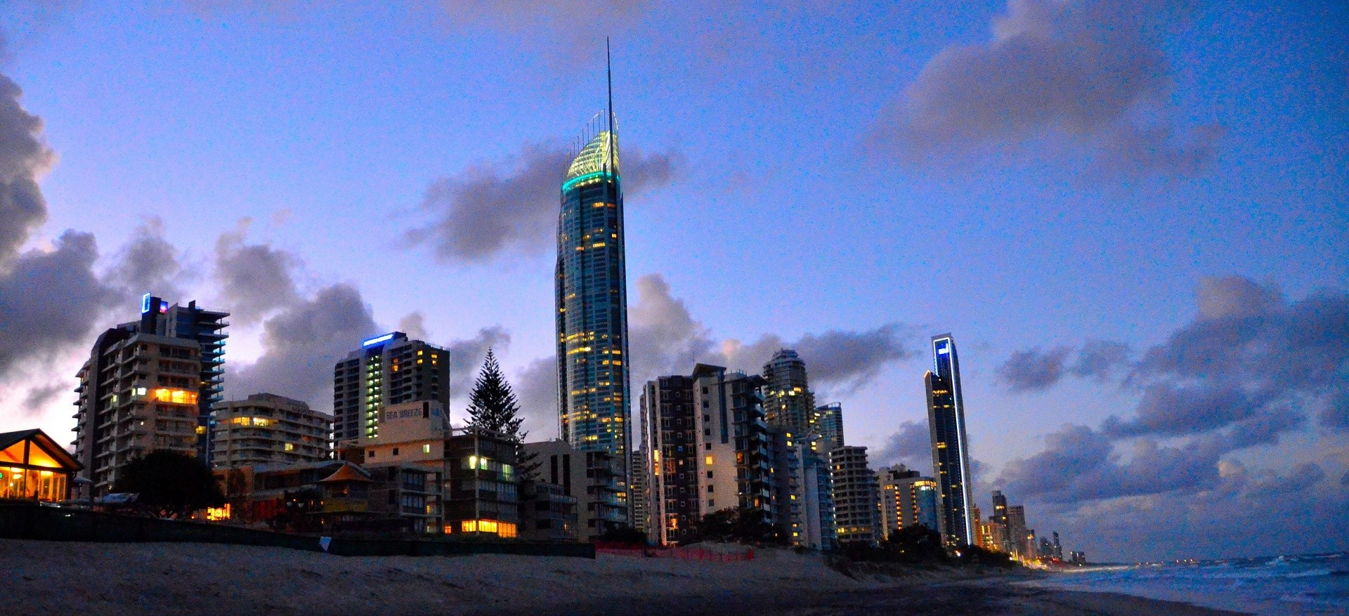 Bertie's photo of Surfers Paradise (Gold Coast)