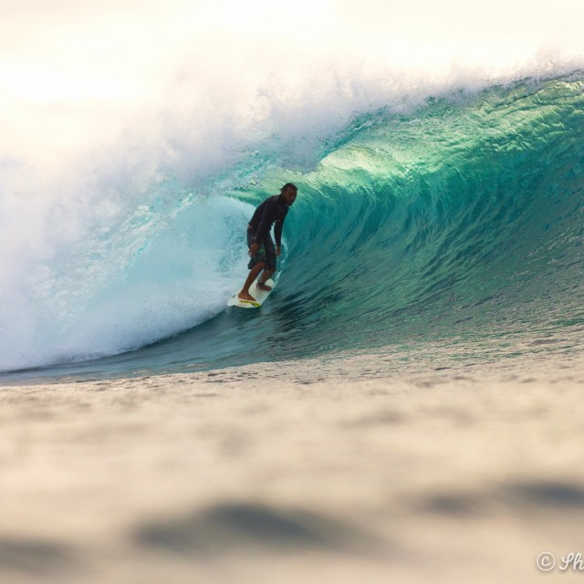 Magicseaweed Photo of the Day of Pipeline & Backdoor
