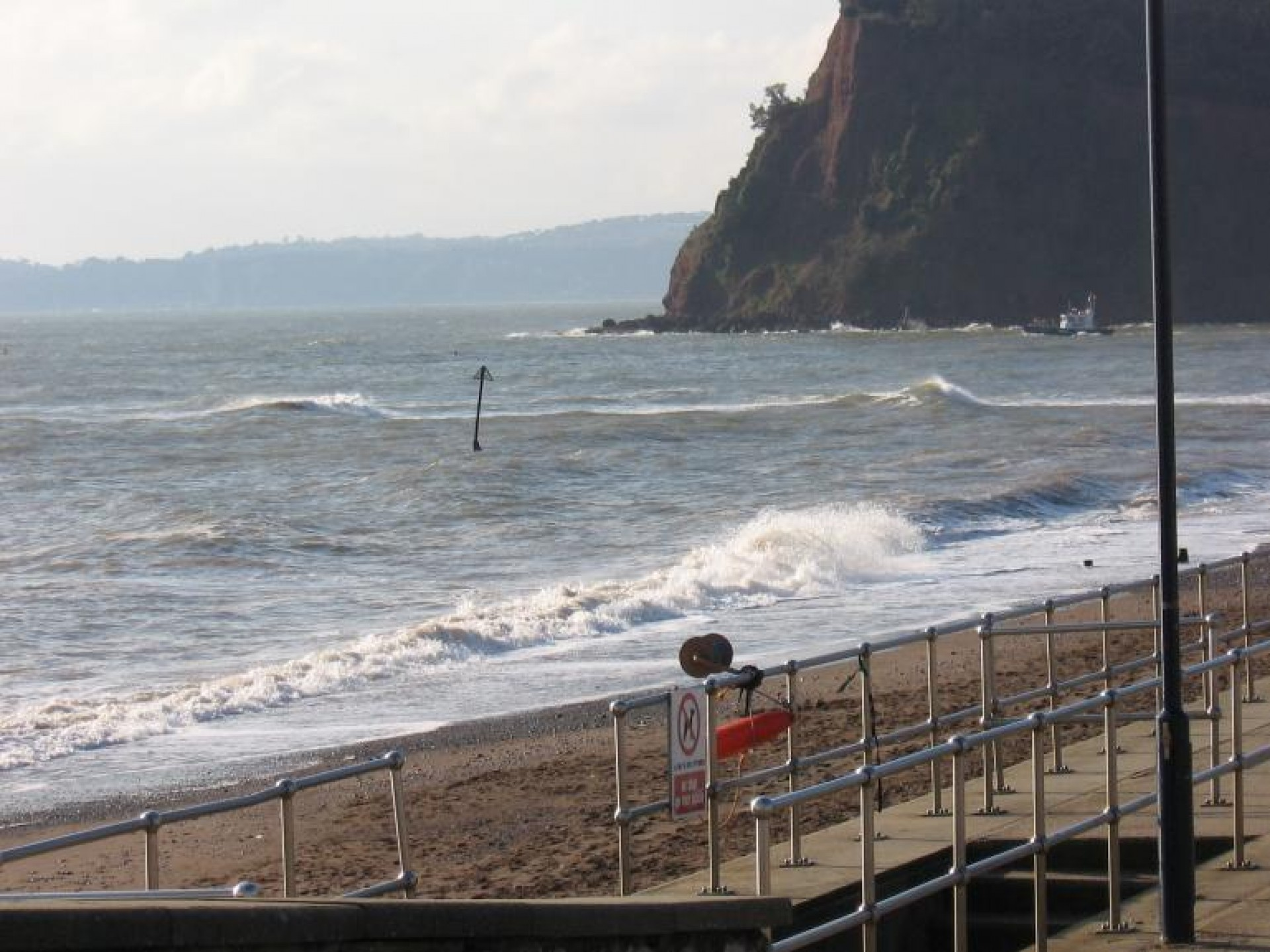 henbot's photo of Teignmouth