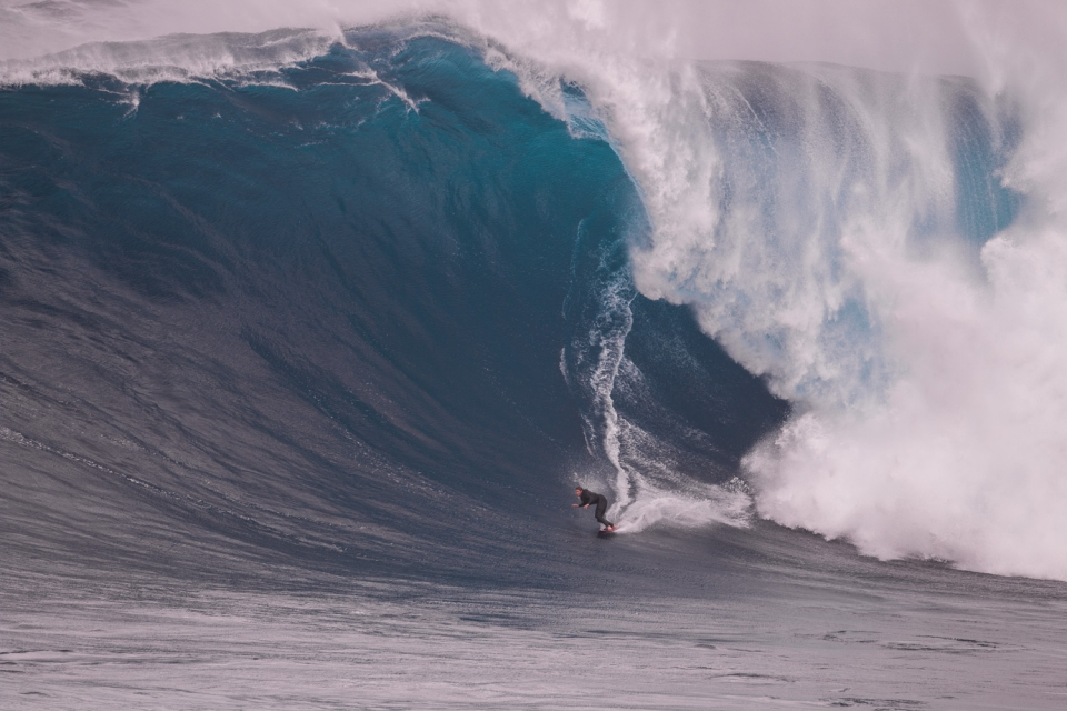 Ian Walsh back on jet power after leading the paddle revolution. This is a big wave.