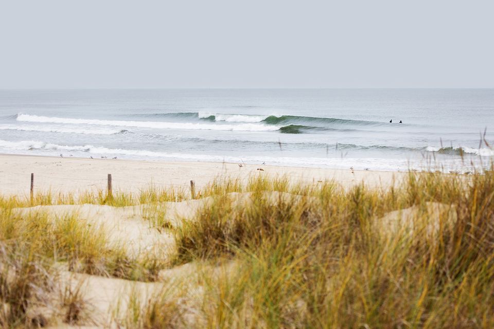 No, this isn't France, nor Portugal. If you knew the Baltic coast would offer up enviable waves such as this, would you don 6mms of rubber and dip in?
