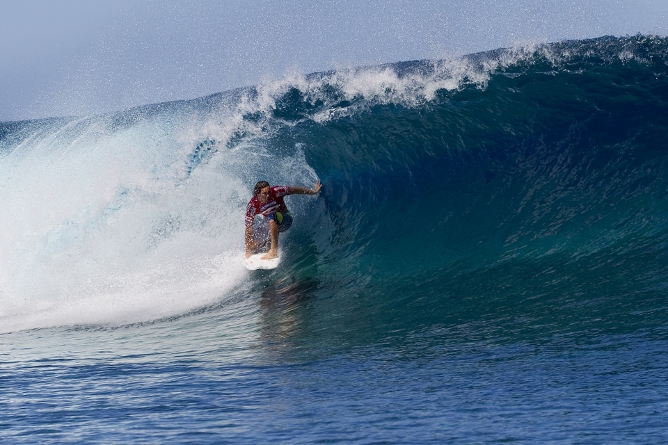Jordy Smith continued his scarily dominant form defeating CJ Hobgood and local hero Manoa Drollet in perhaps the hardest paper heat of the day. All sorts of coos and ahhs went up as he launched a backhand 'judo' aerial which he claimed not to have a name for but