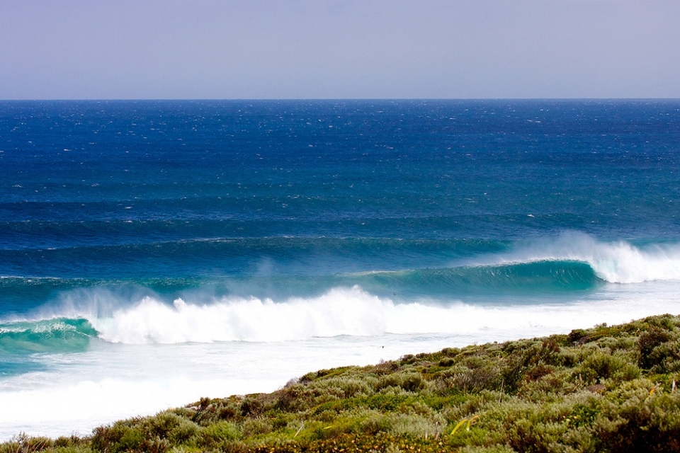 More waves than surfers, you snooze you lose.   Images thanks to Mark Cooper of  epicswells.com