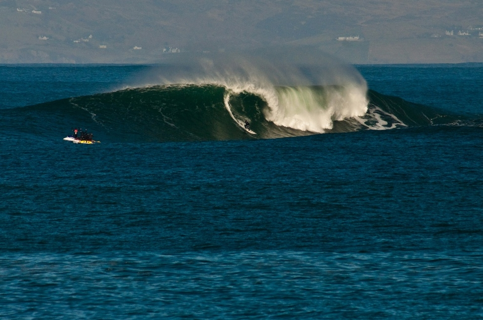 There is no doubt that there are certain days out here that are tow in days and others that are paddle. We have been fortunate enough to score both recently and as much as we could all do with a rest, it looks like there's another swell on the way!