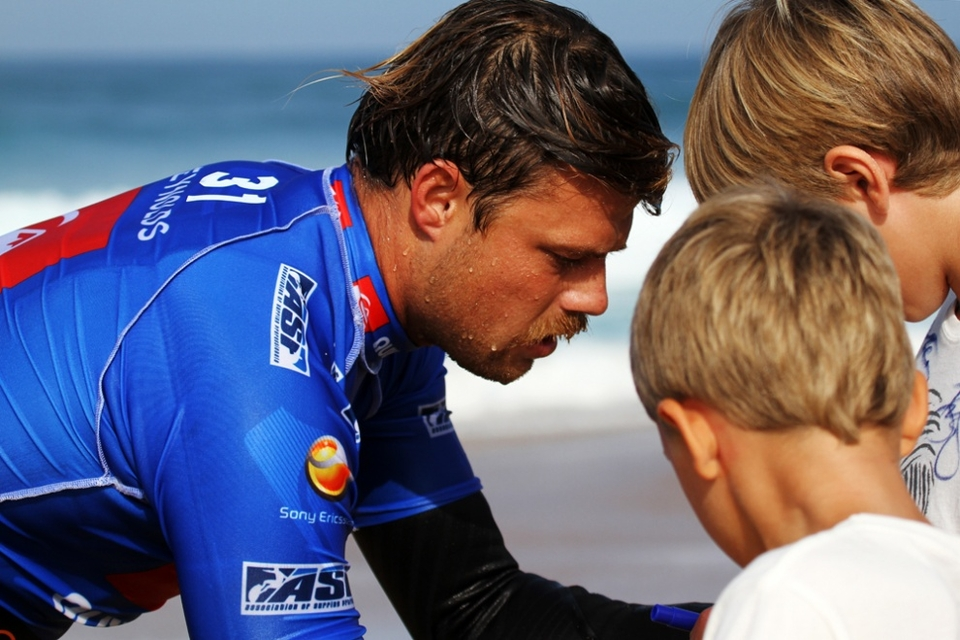 A plea to Dane Reynolds: stay on the tour and we'll arrange all your heats for the afternoon and provide an endless supply of crayons and scrap paper.