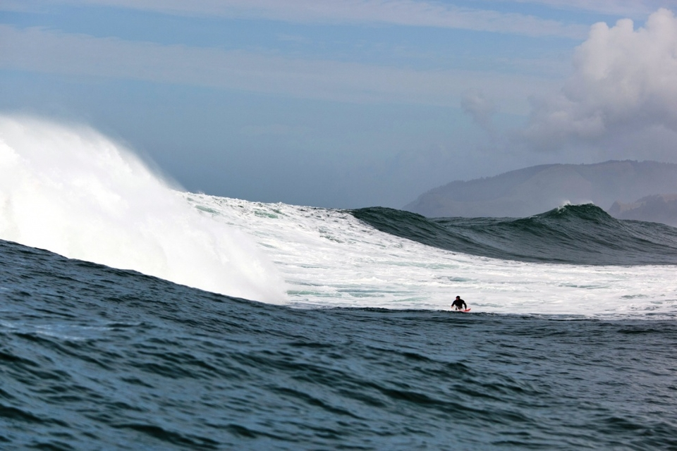 Keith Galbraith maxing out at the bottom of this big one and getting ready for the pounding that followed.