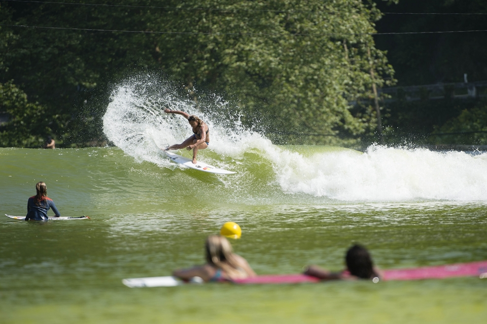Contest director Lisa Anderson still rips ... But you knew that, she's won the World Championship 4 times.