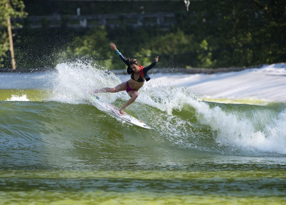 Sally Fitzgibbons chucking buckets off the lip.
