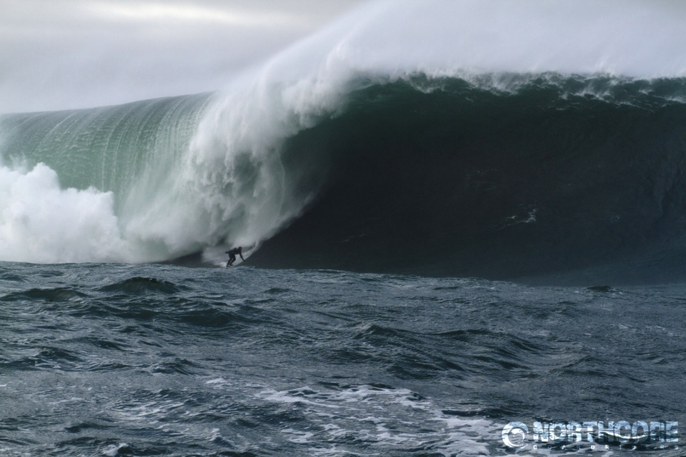 Ollie O Flaherty on another bomb, Ollie hails from the beautiful seaside town of Lahinch which has its own fair share of heavy water.