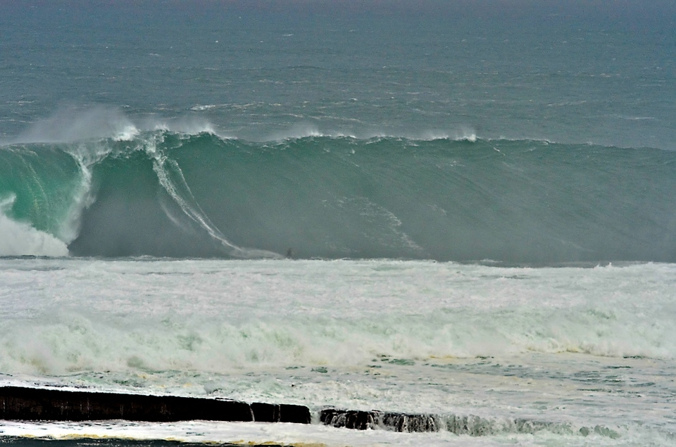 FIVE BILLABONG XXL BIGGEST WAVE AWARD NOMINEES   (Surfer prize $15,000 - Photo/video prize $4,000)   Andrew Cotton (Croyde, Devon, United Kingdom) at Mullaghmore Head, Ireland on March 8, 2012. (Photos by Andrew Kilfeather, Conn Osbourne and David Olsthoorn. Video by Jamie Russell.)   Garrett McNamara (Haleiwa, Hawaii, USA) at Priaia do Norte, Nazaré, Portugal on November 1, 2011. (Photo by Wilson Ribeiro. Video by Jorge Leal.)   Axi Muniain (Zarautz, Basque Country) at Agiti, Spain on December 15, 2011. (Photo by Eric Chauche. Video by Walter Lang.)   Ollie O'Flaherty (Lahinch, County Clare, Ireland) at Mullaghmore Head, Ireland on March 8, 2012. (Photos by Christian McLeod and Matt Strathern. Video by Mark Waters.)   Damien