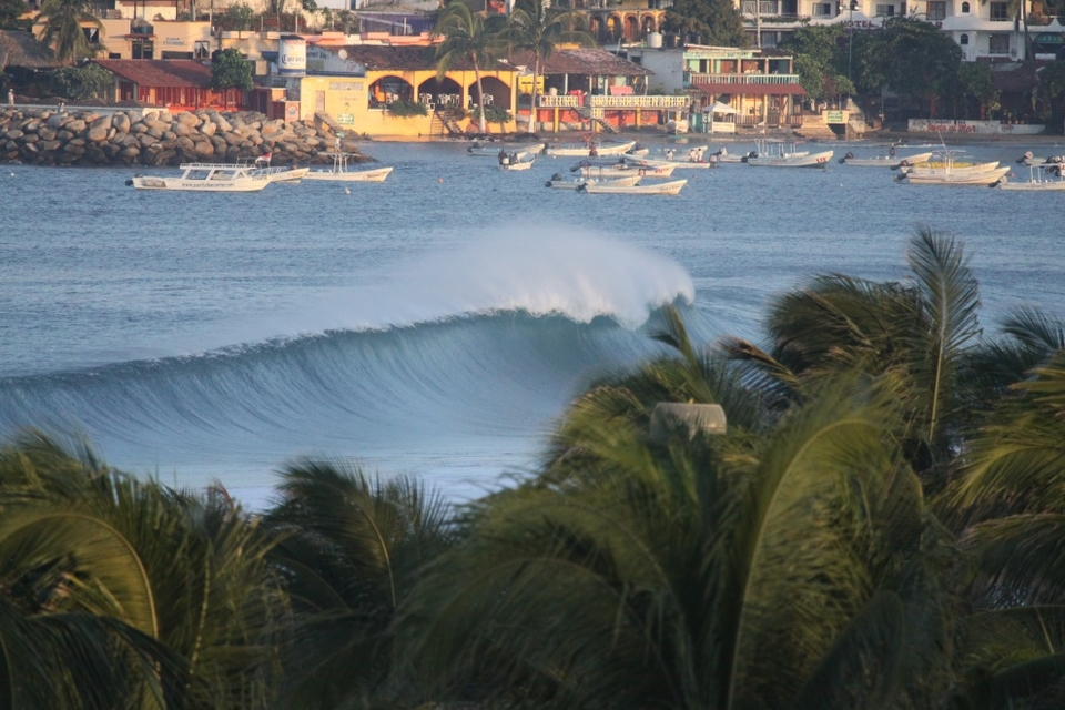 Playa Marinero in Puerto Escondido from Agua Azul Apartment roof, Lonnie from RPM Surfer.