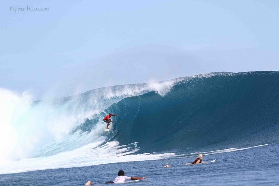 The second heat saw skilled backside barrel riding by Isei Tokovou win out against the power carves and tube riding ability of goofy-footed Inea Nakalevu.    Isei was just too much for Inea, posting the two top waves of the day and finishing the heat with a near perfect score of 19.8.