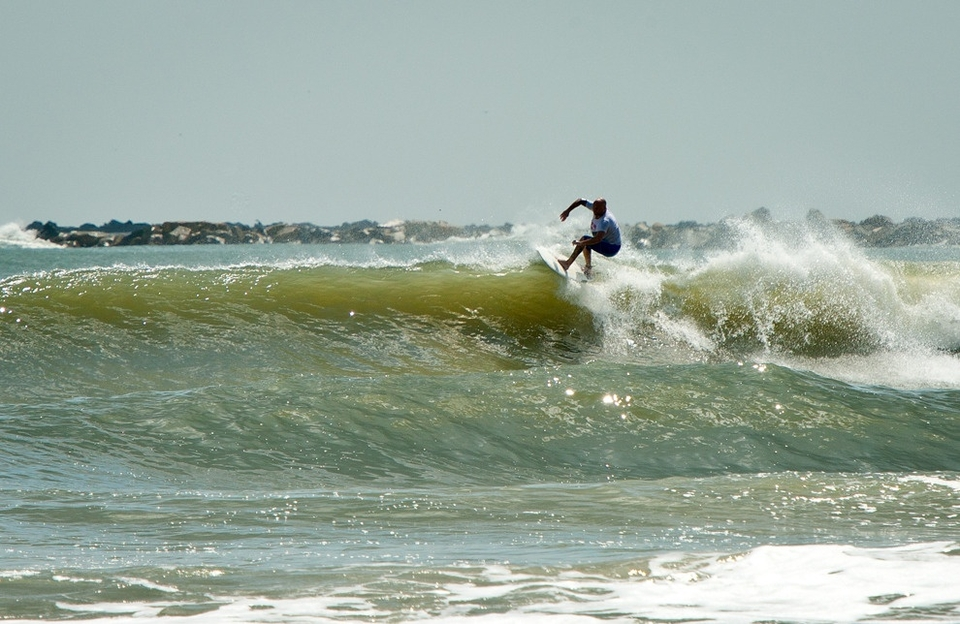 Friday was a bit smaller at the park, but with some nice waves coming through for some solid performance surfing.