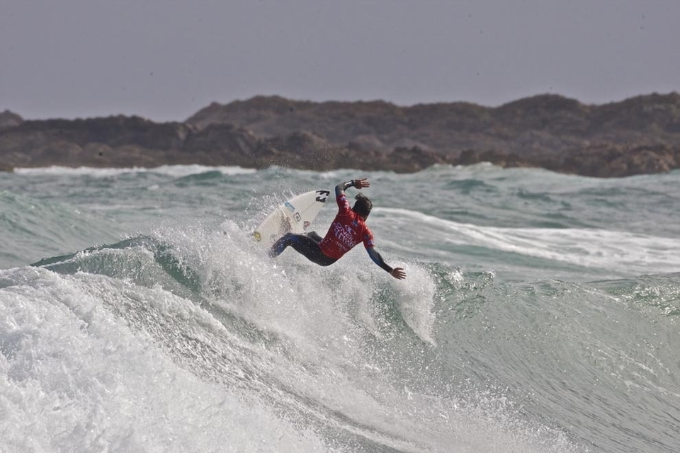 Among the surfers slightly wary of the wild element to the series, however, is the American, Eric Geiselman. Eric was at the Cold Water Classic Series California when he had a close escape after his board was