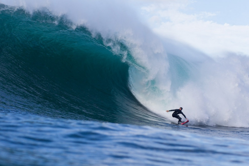It looks like Tom Lowe is going straight to the bottom here but he made the section and sneaked an end section shack..