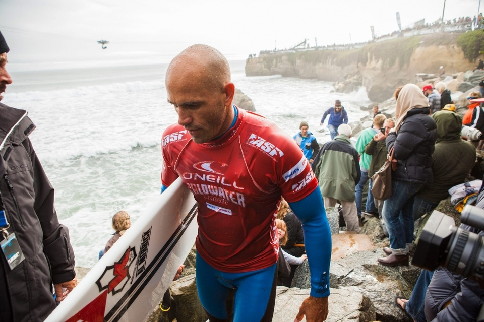 Kelly Slater, current world number 2, struggled to find a rhythm in his Round 4 bout against Adriano de Souza, finishing equal 9th overall.    Despite Slater's early exit from the event, a 9th place finish replaces his last-place injury points from Brazil, narrowing the ratings' gap with current frontrunner, Parkinson.