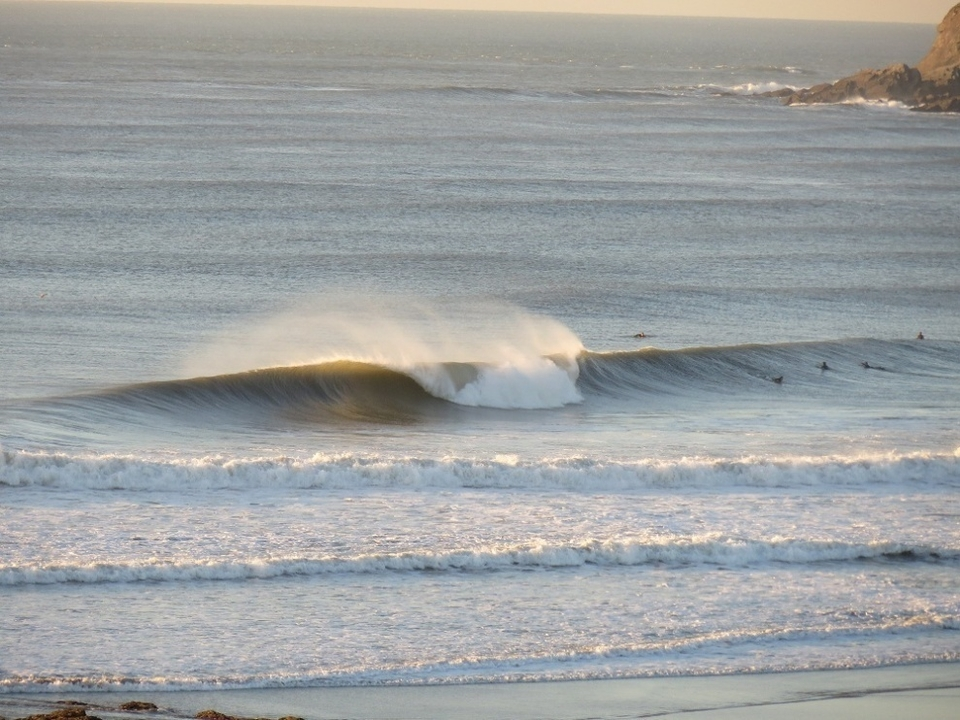ENTRY 1:  heralds from what many believe to be the South West's highest quality (and busiest) beachbreak, Croyde in North Devon where the horzon is always a little wonky.