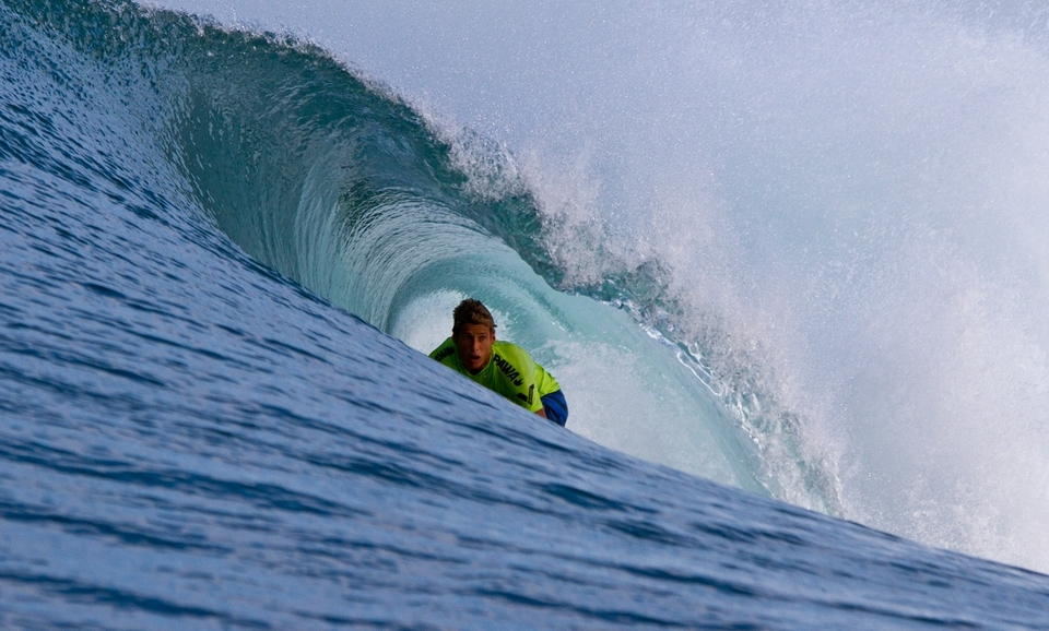 Brian Connoley (USA) is more than familiar with the guts of a Mexican beachbreak keg.