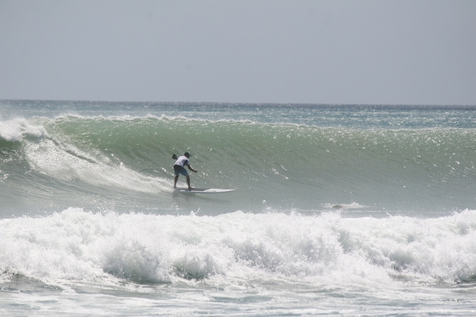 Randy Skinner on a nice one at Florida's Deerfield Beach.    More  here