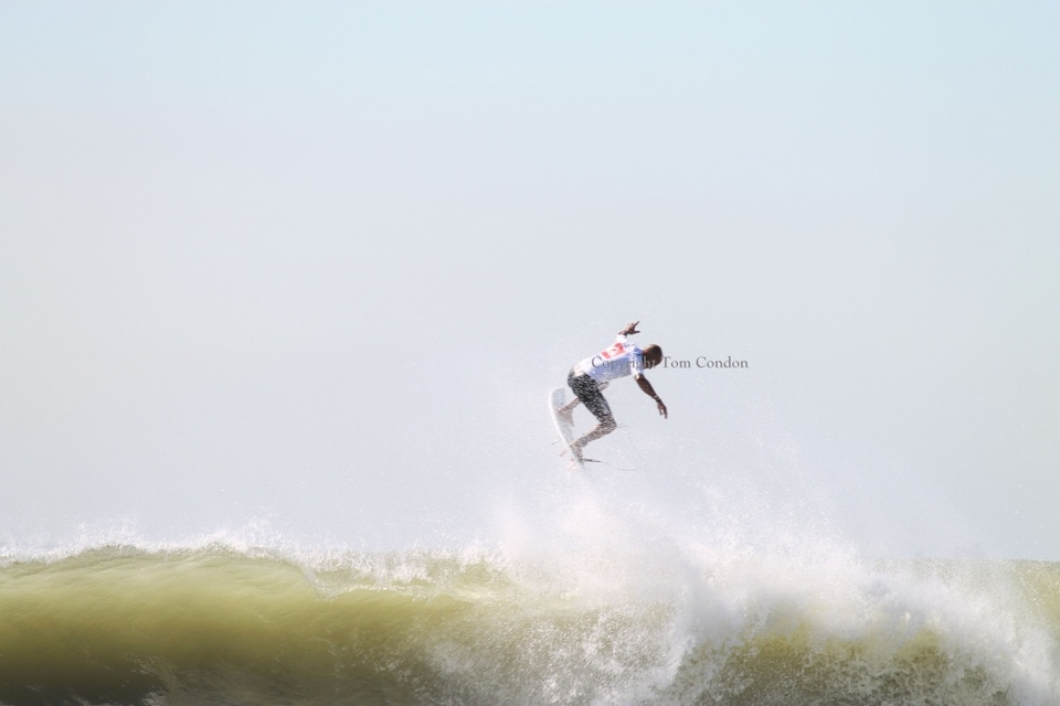 Long Beach, New York for the Quiksilver Pro. Needing a plus 9, Kelly Slater launched and landed this perfect 10 rotation in the dying seconds of the semis to beat Taj Burrow and progress through to the final where he lost to a rampant Owen Wright.   More  here