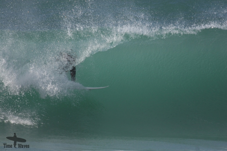 High tide Fisty barrel in Newquay on March 9th