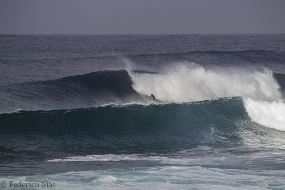 Nicola Pau relishing some serious oceanic energy.