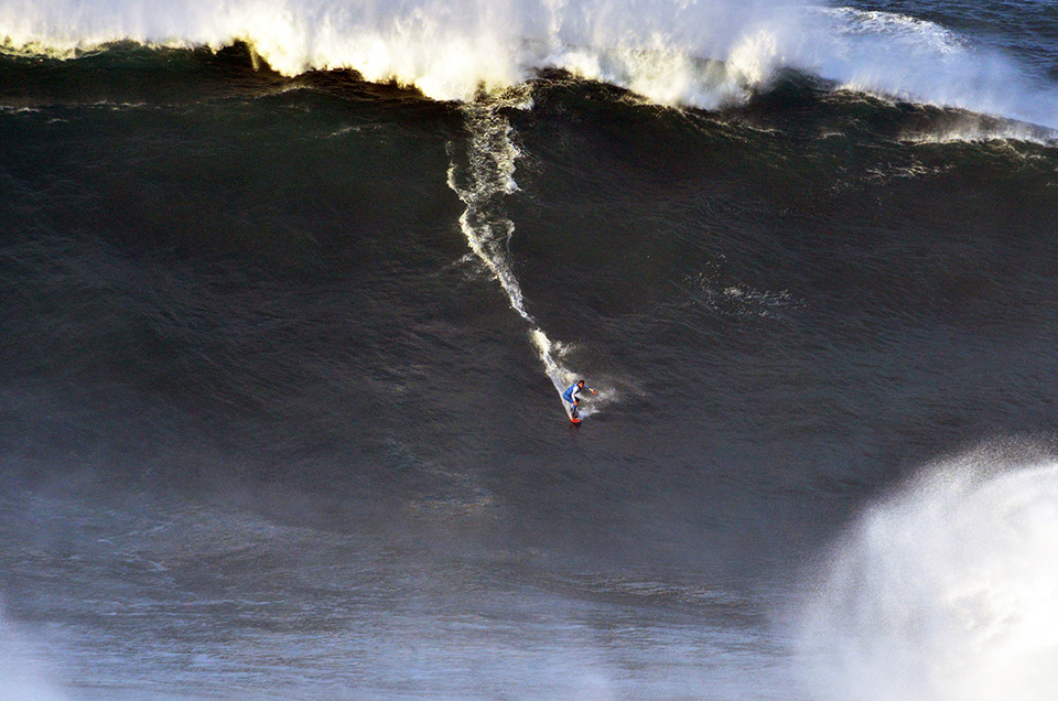 Lucas Chumbo on one of the biggest waves of the day.