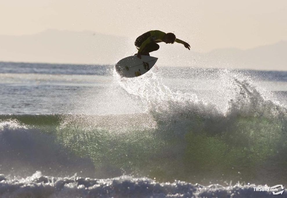 With Catalina Island in the background, 2010 ASP World Tour Rookie Nate Yeomans pops off in Newport.