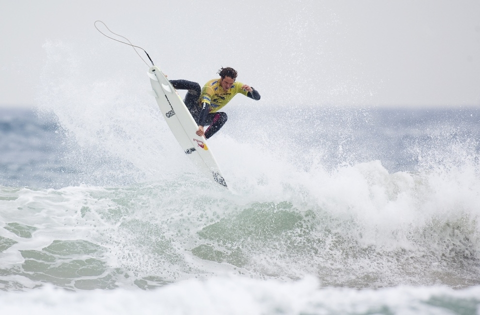 Jordy Smith, the second of the airborne act defeated Marco Polo who is in danger of becoming the new tour whipping boy.