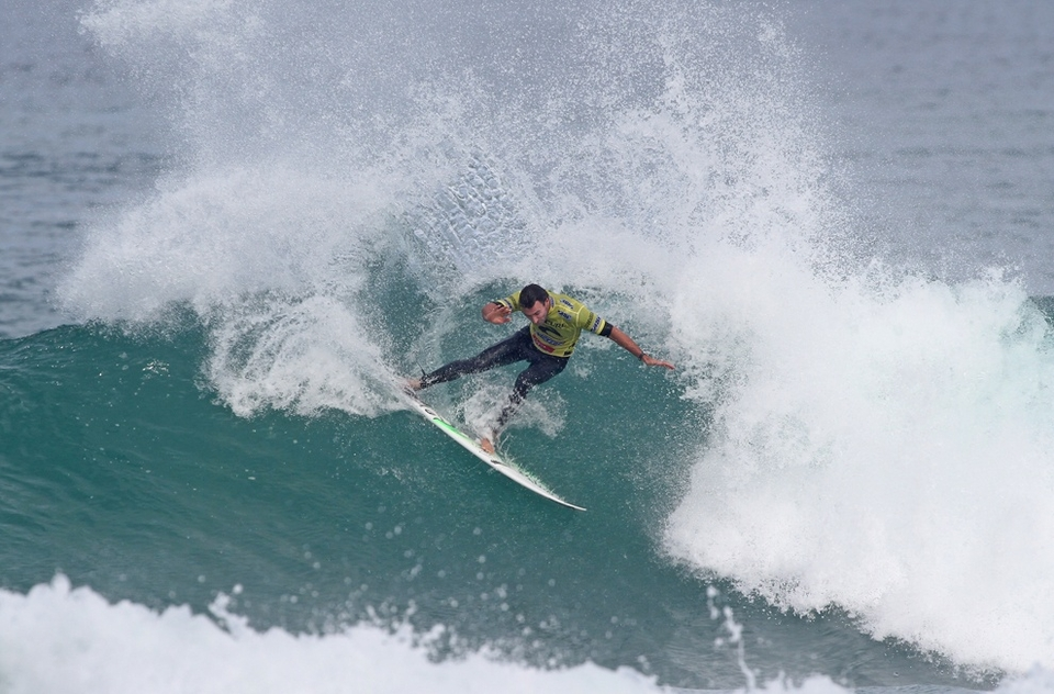 Joel Parkinson lost out to a sharp Bobby M in the quarter finals but really didn't do a lot wrong, or right, going after a couple of barrels that weren't really there and that was it. Game over and another fifth place.