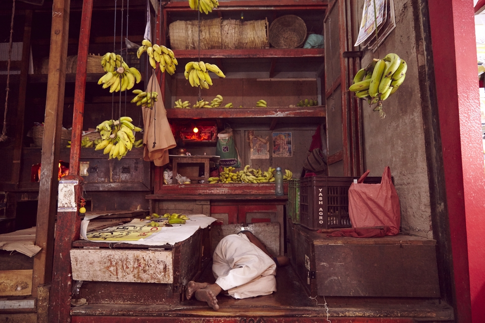 The markets in India are a sight to behold. All 5 senses are in overdrive as you're met by a sea of colour and intense aromas. Stall owners were busy hustling uncomfortable tourists, but looked relaxed and happy in the process. I don't think this guy sold too many bananas though - CM
